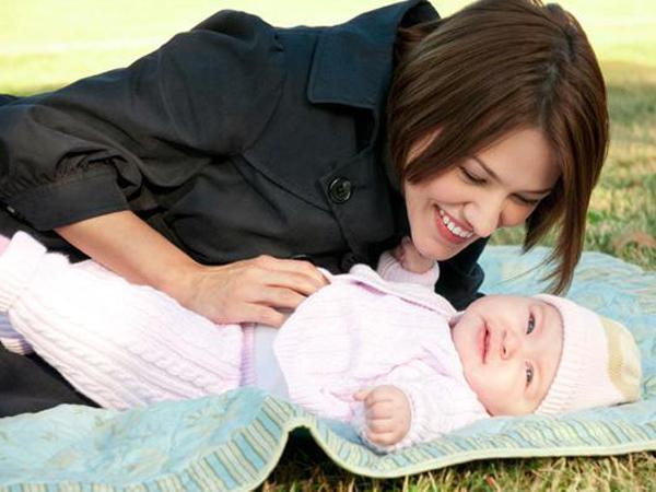 Bí quyết giúp mẹ chọn được nôi xách tay nào tốt cho con