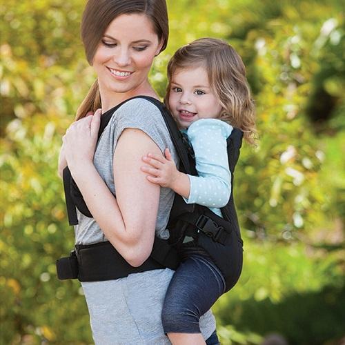 Mách mẹ cách chọn địu an toàn cho bé thoải mái cho mẹ