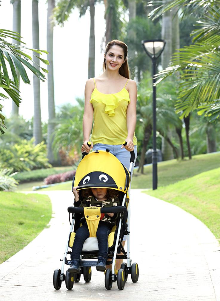 Vệ sinh xe đẩy em bé như thế nào là đúng cách?