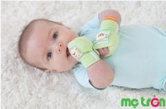 Vì sao không nên cho bé đeo bao tay và chỉ khi nào mới nên đeo bao tay cho bé sơ sinh