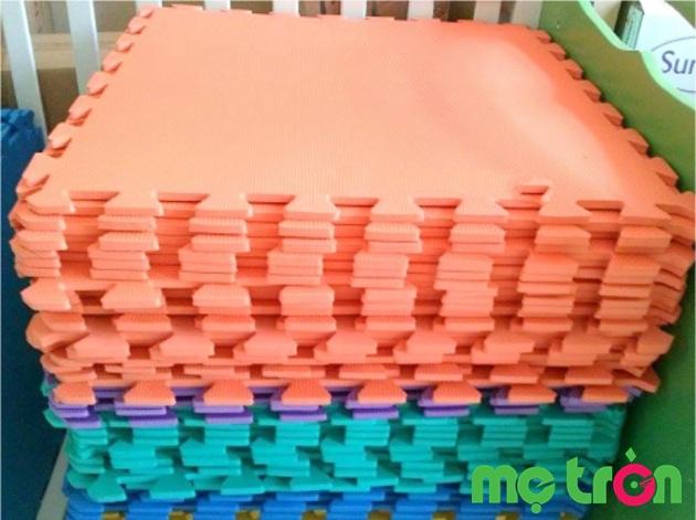 Thảm xốp lót sàn miếng rời kích thước vừa tiện lợi (60cm x 60cm x 1cm)