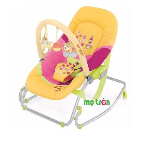 Ghế bập bênh Brevi có đồ chơi vui mắt, gấp gọn dễ dàng chiếm rất ít không gian. Màu sắc đa dạng là mẫu ghế tuyệt vời để mẹ chăm bé yêu.