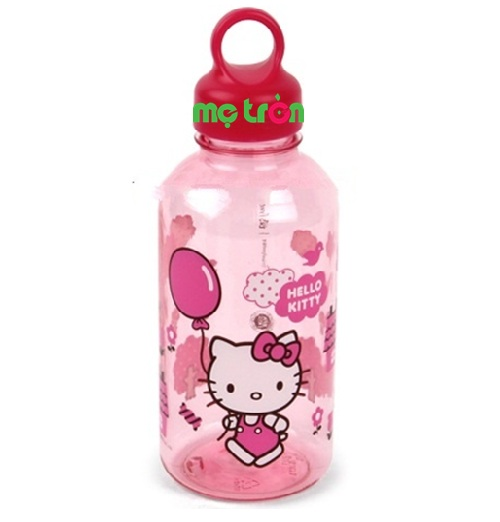 Chiếc bình nước nhựa an toàn Hello Kitty cho bé là một sản phẩm được nhập khẩu chính hãng từ thương hiệu Lock&Lock Hàn Quốc. Bình nước bằng nhựa Hello Kitty LKT624 là một sản phẩm được thiết kế độc đáo, dành riêng cho bé mới bắt đầu tập uống. Sản phẩm phù hợp cho bé, chất liệu nhựa nhẹ nhàng, là lựa chọn tuyệt vời của mẹ.