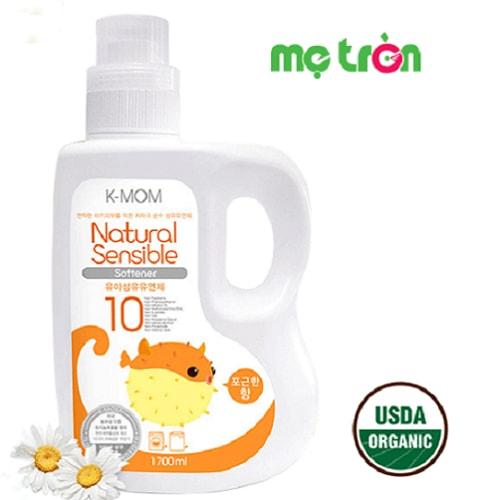 Nước xả vải hữu cơ K-Mom Hàn Quốc dạng can cam 1700ml được nhập khẩu trực tiếp từ Hàn Quốc với dung tích 1700ml sản xuất từ các nguyên liệu sạch đạt chứng nhận từ USDA là sử dụng các thành phần Organic (chứng nhận hữu cơ) bảo vệ làn da bé.