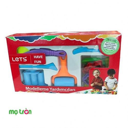 Đồ chơi đất nặn 15 cái LET'S-L8412 là bộ dụng cụ rất cần thiết dùng cho việc nhào nặn đất, cắt, tạo khuôn để tạo những hình thù ngộ nghĩnh , đáng yêu từ những chiếc khuôn hình có sẵn đó. Sản phẩm thích hợp sử dụng cho mọi lứa tuổi khi chơi đồ chơi đất nặn.