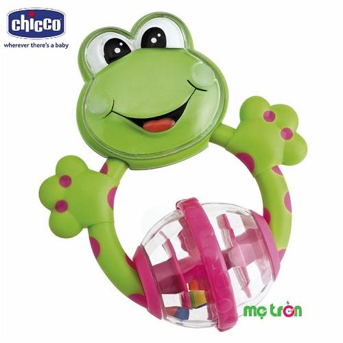 Xúc xắc hình chú ếch con Chicco cho bé cầm, nắm, nghe, nhìn với thiết kế độc đáo,tạo hình ngộ nghĩnh hình chú ếch con cùng màu sắc tươi sáng, nổi bật giúp bé phát triển các kỹ năng và giác quan hoàn thiện hơn trong những năm tháng đầu đời.