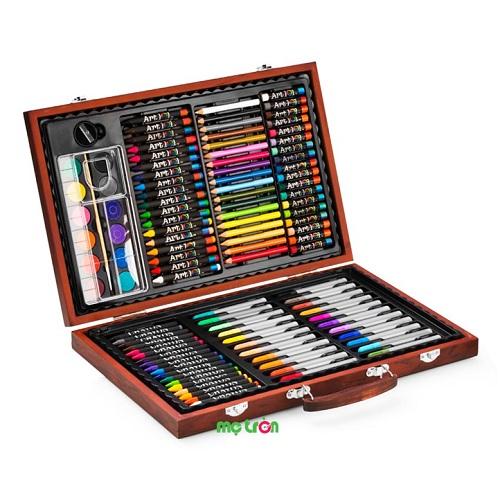 <p>- Bút màu hộp gỗ M82 Colormate được làm từ chất liệu cao cấp an toàn, không độc hại cho bé. - Kích thích khả năng sáng tạo vô tận của bé. - Thiết kế đáng yêu, màu sắc chân thật.</p>