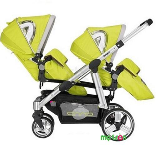 <p>Xe đẩy đôi em bé Brevi Ovo BRE781 được thiết kế mạnh mẽ, kiểu dáng thời trang với khung nhôm hình elip siêu nhẹ và siêu bền. Đây là sản phẩm luôn mang đến sự an toàn và chắc chắn cho bé cưng nhà bạn.</p>
