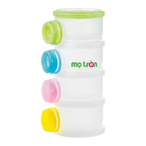 <p>- Hộp chia sữa bột dạng hộc tủ Simba S9942 4 tầng thiết kế dạng tròn, trơn tiện lợi.</p> <p>- Được làm từ chất liệu PP không gây hại, an toàn tuyệt đối.</p> <p>- GIúp mẹ định phần và địn lượng tiết kiệm thời gian pha sữa.</p>