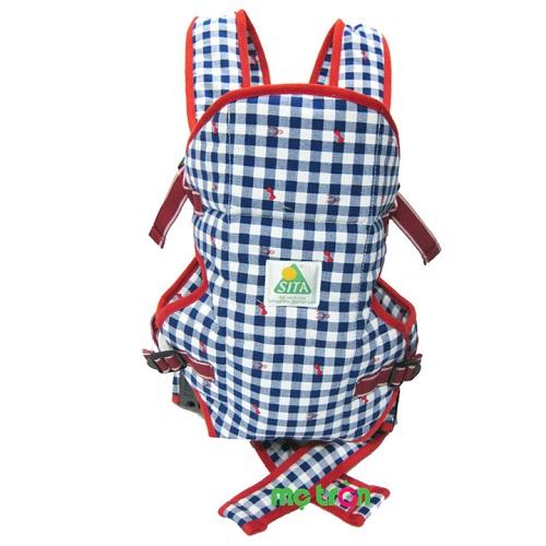 <p>Địu em bé nhỏ Sita 0032 nhiều màu dành cho bé từ 3 đến 12 tháng được làm từ chất liệu 100% vải cotton và 100% gòn công nghiệp, giữ cho bé thoải mái và không làm ảnh hưởng đến làn da mỏng manh của bé.</p>