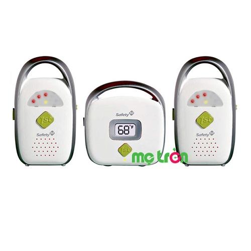 Máy báo khóc đôi Safety 08092 có hệ thống âm thanh siêu rõ giúp bạn luôn có cảm giác yên tâm khi có thể biết được tình hình của bé khi ở khoảng cách xa. Bộ máy gồm một máy truyền tín hiệu từ em bé và hai máy nhận tín hiệu, tiện lợi cho nhiều người trong gia đình cùng sử dụng và chăm sóc bé tốt hơn. Sản phẩm là công cụ tuyệt vời giúp mẹ an tâm làm việc khi bé vẫn ngủ ngon giấc.