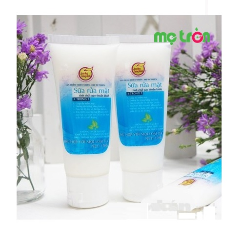 <p>Sữa rửa mặt tinh chất gạo Cung Đình được tổ hợp từ tinh dầu thiên nhiên mang đến cho phụ nữ sau sinh làn da sáng hồng, tự nhiên an toàn và hiệu quả. Đặc biệt, sản phẩm không chứa các chất có hại như xút, chất bảo quản và hoàn toàn không gây kích ứng da.</p>