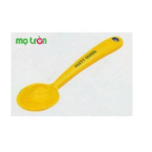 <p>- Thìa bằng nhựa cho bé vui chơi Toyroyal 6732 được làm từ chất liệu cao cấp, an toàn.</p> <p>- Tăng cường các kỹ năng cầm nắm đồ vật.</p> <p>- Màu sắc tươi sáng, kích thích thị giác cho bé. </p>