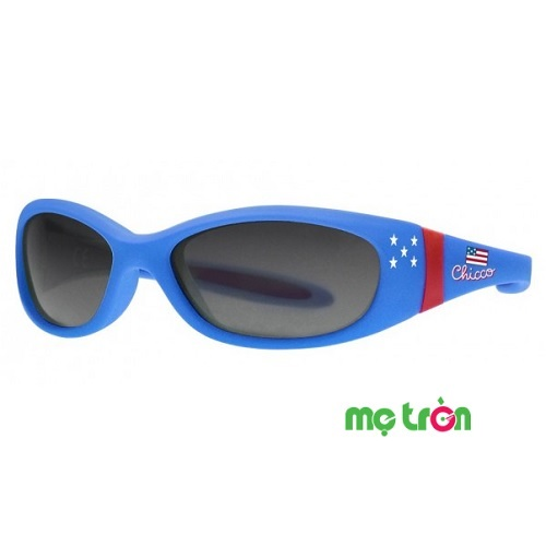 Kính râm chống tia UV Saturn màu xanh Chicco 12M+ là sản phẩm tuân thủ nghiêm ngặt các tiêu chuẩn cũng như yêu cầu an toàn của ECC Châu Âu trong suốt quá trình sản xuất. Chiếc kính được thiết kế với các tính năng cải tiến vượt trội, mắt kính và gọng siêu bền và khả năng chống lóa, chống xướt mang đến sự bảo vệ tối ưu nhất cho trẻ. Sản phẩm thích hợp sử dụng cho cả bé trai và bé gái.