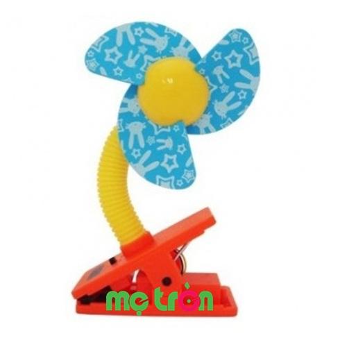 - Quạt đồ chơi Lucky Baby 609057 được làm từ chất liệu cao cấp, an toàn cho bé. - Có thể dùng để gắn trên xe đẩy, nôi, cũi cho bé. - Thích hợp cho các bé từ sơ sinh.