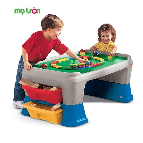 - Bộ bàn cho bé chơi Little Tikes 100cm LT-625411 được làm từ chất liệu nhựa an toàn. - Thiết kế đáng yêu, màu sắc tươi sáng thú hút sự chú ý của bé. - Kích thích bé tăng cường những kỹ năng vận động và tư duy.