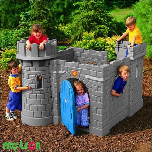 - Lâu đài cổ điển mô hình pháo đài lịch sử Little Tikes LT-172083 được làm từ chất liệu nhựa an toàn. - Thiết kế đáng yêu, kích thích bé chơi đùa nhiều hơn. - Thích hợp sử dụng cho các bé từ 2 tuổi trở lên.