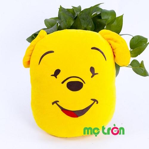 <p>Gối kể chuyện cổ tích hình Gấu Pooh Pubtech màu vàng là sản phẩm gối kể chuyện cao cấp của thương hiệu Pubtech. Gối được làm từ chất liệu vải chất lượng, êm ái và có 200 câu chuyện cổ tích ý nghĩa, giúp bé học được những điều hay lẽ phải và đi và giấc ngủ ngọt ngào.</p>