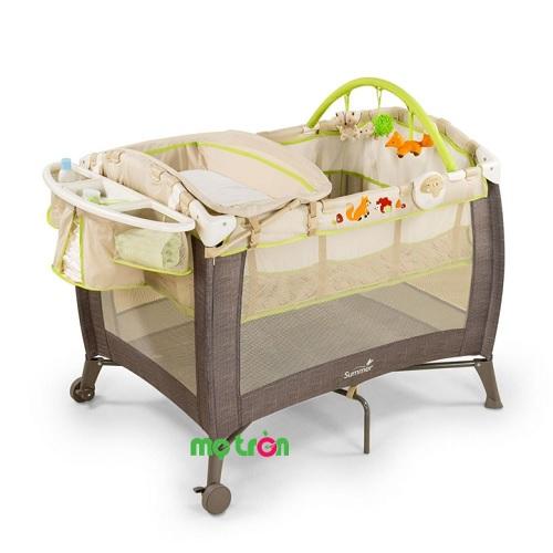 Cũi Fox and Friend Summer SM22240 là sản phẩm cao cấp mang thương hiệu Mỹ phù hợp cho các giai đoạn phát triển của trẻ từ sơ sinh đến 14 kg. Sản phẩm đa chức năng được thiết kế 2 tầng tiện dụng, với kết cấu khung chắc chắn, chất liệu vải đệm êm ái, nhằm hỗ trợ ba mẹ chăm sóc bé yêu hiệu quả.