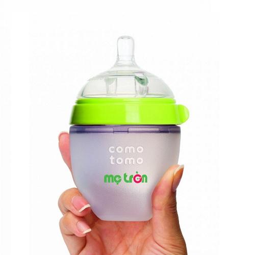 <p>Bình sữa Comotomo 150ml làm từ silicone cao cấp (màu xanh - CT00011) là sản phẩm bình từ thương hiệu Cotomoto tại Mỹ, được làm từ silicone cao cấp dùng trong y khoa và nhựa hoàn toàn không chứa BPA độc hại, an toàn cho bé khi bú bình.</p>