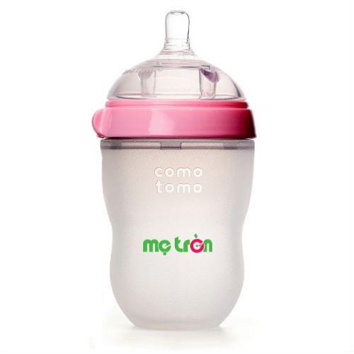 <p>Bình sữa Comotomo 250ml tiện dụng và an toàn cho bé (màu hồng - CT00014) là sản phẩm bình sữa từ thương hiệu Cotomoto tại Mỹ, được làm từ silicone cao cấp dùng trong y khoa, hoàn toàn không chứa BPA độc hại, an toàn cho bé khi bú bình. Thân bình được làm từ chất liệu mềm mịn như da mẹ mang đến cảm giác thoải mái, gần gũi như khi được bú mẹ.</p>
