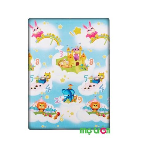 Thảm chơi hình bầu trời xanh cho bé Playmat Dwinguler là một vật dụng nội thất và cũng là một loại đồ chơi mà trẻ em ham thích. Sản phẩm được thiết kế với những hình ảnh con vật cây cối xinh xắn, đầy màu sắc trên nền trời xanh giúp bé được an toàn và vui thích hơn khi chơi hằng ngày. Sản phẩm được làm từ chất liệu nhựa PVC nên rất an toàn cho trẻ.