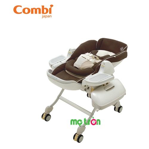 Ghế nôi đa năng Combi Roanju màu socola hoặc màu be chấm được làm từ chất liệu vải mềm mại, thiết kế tinh tế giúp ôm sát cơ thể bé. Ngoài ra, với hệ thống thoáng khí giúp bé luôn cảm thấy mát mẻ. Thiết kế không gian ghế rộng rãi, cho bé tự do hoạt động tay chân.