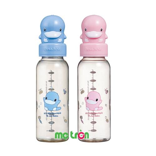 Bình sữa nhựa PES 240ml KUKU 5127 tiện dụng cho bé yêu là sản phẩm bình sữa được làm từ chất liệu nhựa PES cao cấp, hoàn toàn không chứa BPA gây hại cho sức khỏe của bé. Bình sữa được thiết kế thon gọn và nhẹ, núm ty mềm mại giúp bé thoải mái khi bú bình.