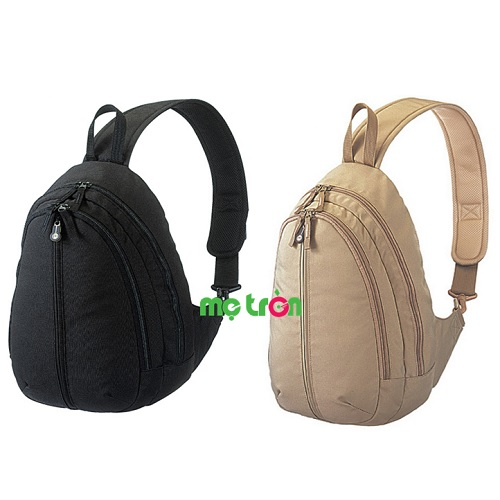 Ba lô cho mẹ Combi MB75 - 2 màu đen và be được thiết kế siêu nhẹ, có quai đeo bản rộng nhằm giảm bớt sức nặng khi mang vào vai mẹ, đồng thời giúp cân bằng áp lực, tránh tình trạng mỏi vai khi mang trong thời gian dài. Sản phẩm có thiết kế lớp mặt ngoài của vải túi dễ dàng giặt sạch, vệ sinh khi cần. Đây là chiếu túi có thiết kế đặc biệt chống khuẩn và khử mùi may bên trong túi.