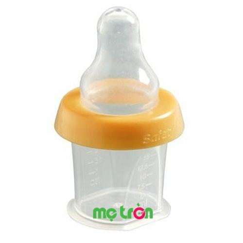 - Bình uống thuốc thiết kế độc đáo bằng ty 15ml safety- IH178 có thiết kế độc đáo không còn sót lại thuốc khi cho bé uống. - Có thước đo dung tích ML chính xác - Kiểu dáng giống bình sữa nên dễ dàng cho bé uống thuốc.