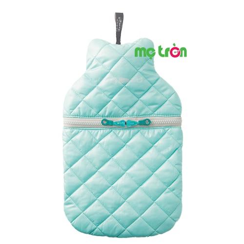 - Túi chườm Fashy kiểu áo jacket làm từ loại nhựa dẻo an toàn, không mùi và khó phai màu, - Chất liệu vỏ bọc từ 100% polyester dẫn nhiệt tốt và êm ái. - Phần vỏ bọc có thể tháo rời và vệ sinh giặt sạch dễ dàng.