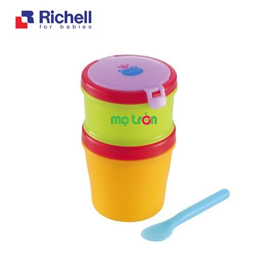 - Hộp đồ ăn 2 tầng kèm thìa Richell RC41940 làm từ chất liệu nhựa cao cấp. - Thiết kế 2 tầng tiện lợi. - Kèm thìa chất lượng và an toàn.