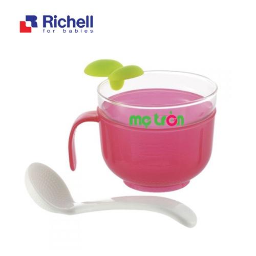 <p>- Cốc nấu cơm nát Richell RC41850 dễ sử dụng làm từ chất liệu nhựa cao cấp.</p> <p>- Có khả năng chịu nhiệt tốt.</p> <p>- Thìa đi kèm tiện lợi.</p>